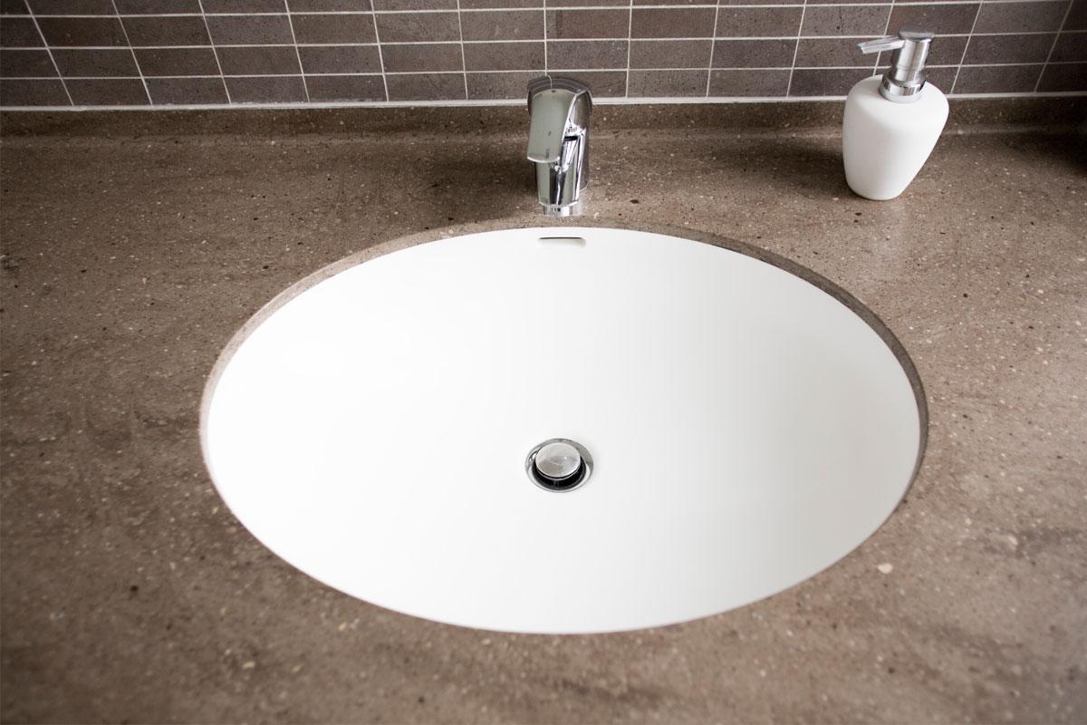 Corian håndvask og bordplade