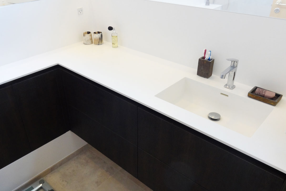 bordplade med vask til badeværelse Corian vaske til køkken og badeværelse   se det store udvalg bordplade med vask til badeværelse